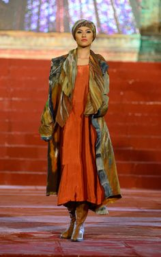 Défilé Fashion Week Hanoi 2013, manteau feutre hybride