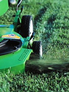 Many people think cleaining up clippings is bad for your yard. We're here to tell you that it is a good thing! More organic lawn-care basics here: http://www.bhg.com/gardening/yard/lawn-care/organic-lawn-care-basics/?socsrc=bhgpin060914clippings&page=4