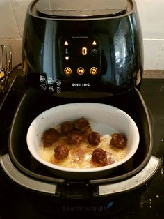 suitable foods for air fryers Best Air Fryer Review, Best Air Fryers, Good Food, Yummy Food, Happy Foods, Air Fryer Recipes, Food For Thought, Tapas, Food And Drink