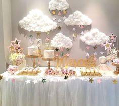 "426 Likes, 5 Comments - A Louca Convida (@aloucaconvida) on Instagram: ""Bom dia com essa linda decoração! #Repost @piruletasve ・・・ En la dulce espera de #marcela e…"""