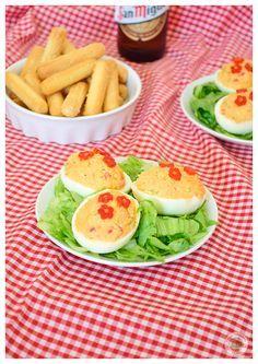 Comparte Recetas -  Huevos rellenos de Bonito