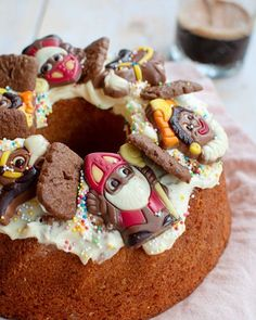 Sinterklaas tulband met speculaas en amandel Cake Cookies, Cupcake Cakes, Cupcakes, Cake Recept, Saint Nicolas, Cakes And More, High Tea, Food Inspiration, Love Food