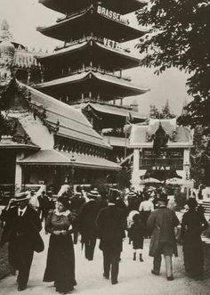CE 0440; Collection Château d'Eau Tirages modernes Exposition universelle de 1900 - Pavillon de l'Asie.effectués par Jean Dieuzaide à partir des négatifs originaux appartenant au docteur François Emile-Zola, petit-fils de l'écrivain.
