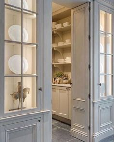 47 Astonishing Built Kitchen Pantry Design Ideas - HOMYFEED There are two very important options that should be considered in every large kitchen pantry cabinet design. Although these options … Kitchen Butlers Pantry, Glass Kitchen Cabinet Doors, Kitchen Pantry Design, Butler Pantry, Kitchen Ideas, Kitchen Decor, Decorating Kitchen, Kitchen Storage, Glass Doors