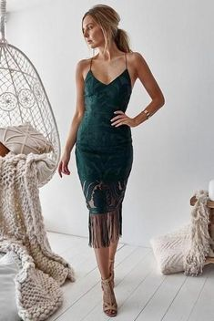 Two Sister's The Label Khaleesi Dress - Emerald Green Cocktail Party Outfit, Fall Cocktail Dress, Fall Party Dress, Cocktail Wedding Attire, Green Wedding Guest Dresses, How To Dress For A Wedding, Boho Wedding Guest Dress, Wedding Dresses, Emerald Green Dresses