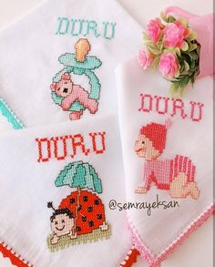 Girls look at the beauty of baby handkerchiefs Palestinian Embroidery, Pocket Books, Modern Cross Stitch Patterns, Baby Knitting Patterns, Blanket, Crochet, Erdem, Handmade Baby, Baby Washcloth