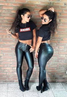 Shiny Leggings, Leggings Are Not Pants, Lycra Leggings, Leather Tights, Pu Leather, Black Leather, Girl Outfits, Cute Outfits, Leather Dresses