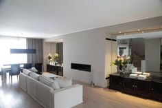 il Living acquista nuove proporzioni (di STUDIO PAOLA FAVRETTO SAGL - INTERIOR DESIGNER)