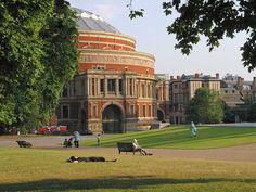 I would kill to perform here. Britain Uk, Great Britain, London Neighborhoods, David Cameron, Royal Albert Hall, Galapagos Islands, London Photos, London Calling, London England