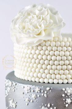 9 Exquisite Wedding Cakes from Juniper Cakery ~ we ❤ this! moncheribridals.com