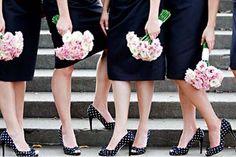polka dot shoes w/ solid bridesmaids dresses. Wedding Suits, Trendy Wedding, Wedding Styles, Elegant Wedding, Toulouse, Polka Dot Pumps, Polka Dots, Polka Dot Wedding, Bridesmaid Dresses