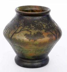 DAUM LANDSCHAFTSVASE Daum Frères, Nancy um 1900 Farbloses Glas mit orangeroten und [...], New Year Sale at Auktionshaus Sigalas | Auction.fr