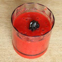 1. Mixa sönder jordgubbarna i mixer eller med en mixerstav. Frisk, Raw Food Recipes, Frozen, Pudding, Mixer, Desserts, 1, Tailgate Desserts, Deserts