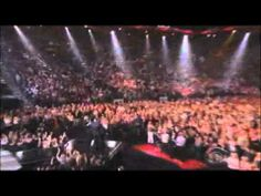 Loved this performance!      Dancing on The Ceiling- Lionel and Rascal Flatts