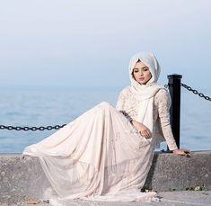 Abaya Fashion, Muslim Fashion, Fashion Wear, Fashion 2020, Couture Fashion, Fashion Outfits, Allure Couture, Hijab Outfit, Hijab Dress