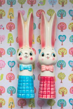 Vintage Kitsch Japan 60s Rabbit Bunny Salt & Pepper Shakers