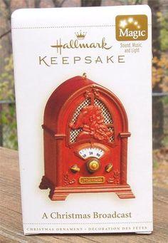 NIB 2006 Hallmark A CHRISTMAS BROADCAST Sound Music Light MAGIC ORNAMENT Retro