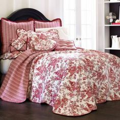 Bought this for our new humungous bed...lol..I love Toile!