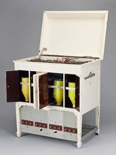 The Oramics Machine is a unique electronic instrument invented by Daphne Oram (1925-2003).    FInd out more - http://www.sciencemuseum.org.uk/objects/acoustics/2010-68.aspx
