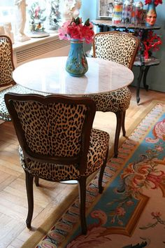 Love the leopard chair. Animal Print Furniture, Animal Print Decor, Animal Prints, Leopard Print Chair, Cheetah Print, Leopard Prints, Minimalist Kitchen, Dining Room Chairs, Kitchen Chairs
