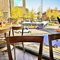 いつものカフェで…