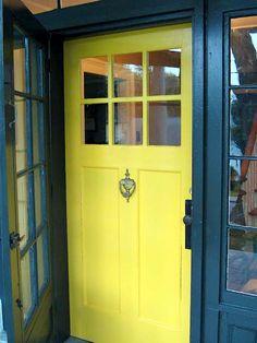 kék-sárga bejárati ajtó#Yellow-Front-Door