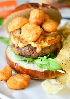 Could really use a cheese curd emoji right now... 🧀🍔 will have to do. This fun burger recipe can be made in 30 minutes, and is hearty and flavorful. (Recipe cred: Simply Whisked) Best Burger Recipe, Burger Recipes, Beef Recipes, Cooking Recipes, Healthy Recipes, Burger And Fries, Beef Burgers, Healthy Food Habits, Healthy Eating