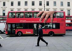 When bus advertising campaigns are infused with great creative, brands and their messages become memorable and hope not to cause a traffic incident. Street Marketing, Marketing Viral, Guerilla Marketing, Marketing Digital, Bus Advertising, Creative Advertising, Advertising Design, Easy Weight Loss, Healthy Weight Loss