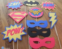 Die Cut Justice League Super eroe Cupcake Toppers  di BabyBinkz