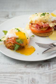 Uova alla benedettina: ricco e stuzzicante. Pronti per il brunch? [Eggs Benedict]