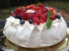Pavlova, Meringue, Baked Goods, Cake Recipes, Cheesecake, Food And Drink, Pudding, Sweets, Cooking
