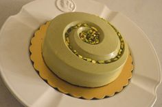 Mousse al pistacchio - ML. Basta un poco di...Zucchero! Pistachio Dessert, Burritos, Cake Recipes, Dessert Recipes, Vegetarian Desserts, Modern Cakes, Ice Cake, Beautiful Desserts, Crazy Cakes