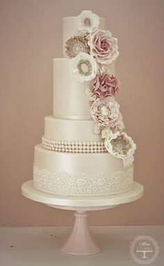 Cameo corsage wedding cake by Cotton and Crumbs, via Flickr