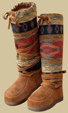 Steger Mukluks of Ely, MN makes the warmest winter boots in the world. Sock Shoes, Ugg Shoes, Shoe Boots, Winter Wear, Winter Boots, Fashion Bags, Women's Fashion, Me Too Shoes, Cute Outfits