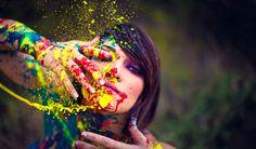 Csendesedj el, és képzeld magad elé a világot, mintha az egy csupasz fal lenne. Majd kapsz egy ecsetet, és egy sok-sok színt tartalmazó festékpalettát, amelyekkel olyanra színezhetnéd a meztelen valóságot, amilyenre csak akarod. Milyen színeket használnál? Miként ábrázolnád a saját, még feltáratlan világodat?  - Női Portál - Női Portál - a nők birodalma - Nőiportál.hu