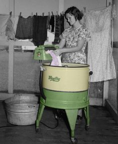 September 1938 - Farm Wife Washing Clothes - Lake Dick Project - Arkansas - Negative by Russell Lee - Farm Security Administration Vintage Pictures, Old Pictures, Old Photos, Arkansas, Shorpy Historical Photos, The Last Summer, Vintage Laundry, History Of Photography, The Good Old Days