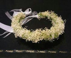 Corona toda de flores naturales. Precio 55€ Mayenne's tocados y Diademas.
