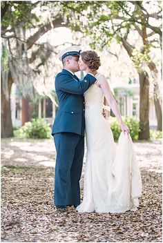 Classic Military Wedding in Savannah | Alexis Sweet Photography on @savvybride