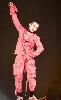 Dragon @ Act III: M.O.T.T.E World Tour