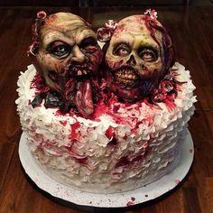Horror Wedding (yes wedding) Cake Halloween Torte, Bolo Halloween, Theme Halloween, Halloween Treats, Halloween Baking, Halloween Recipe, Halloween Horror, Zombie Wedding Cakes, Halloween Wedding Cakes