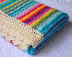 With this pattern by TheHatandl you will lear how to knit a Crochet Blanket PATTERN - Crayon Box Blanket step by step. It is an easy tutorial about rainbow to knit with crochet or tricot. Crochet Afghans, Motifs Afghans, Crochet Motifs, Afghan Crochet Patterns, Crochet Flower Patterns, Baby Blanket Crochet, Diy Afghan, Crochet Kits, Afghan Blanket