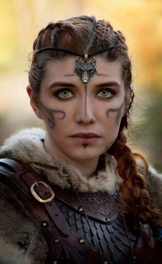Hervor was among the most famous Viking shieldmaidens. Viking shieldmaiden was the female warrior who was willing to sail their ship through the high ocean and fought just like the Viking men. Fantasy Warrior, Fantasy Queen, Viking Queen, Viking Woman, Viking Shield Maiden, Viking Art, Viking Symbols, Viking Shop, Viking Life