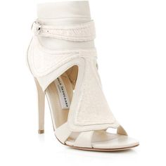 Camilla skovgaard shoes IVORY ($530) ❤ liked on Polyvore featuring shoes, sandals, heels, zapatos, sapatos, winter white shoes, ivory leather shoes, wrap shoes, leather heeled sandals and leather sandals