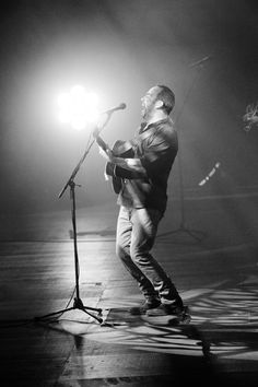 Dave at the MEO Arena, Lisbon, Portugal: Pictures by Rene Huemer Photographer © Dave Matthews Band 2015.
