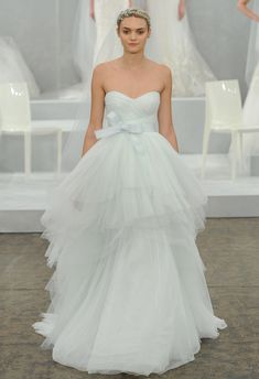 Love the neckline and layering. The bow adds a feminine feel! Monique Lhuillier Spring 2015 | MCV Photo