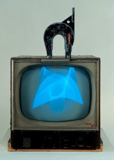 Nam June Paik, Magnet TV, 1965