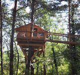 Cabanes dans les arbres, roulottes, yourtes, chapelles, pigeonniers...
