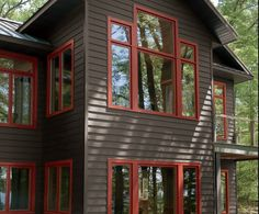 siding colors for houses in the woods - Bing images Cabin Exterior Colors, Siding Colors For Houses, Log Cabin Exterior, Mountain Home Exterior, Rustic Houses Exterior, Exterior Color Schemes, Cottage Exterior, House Paint Exterior, Exterior Paint Colors