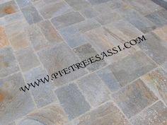 Pavimento In Pietra Di Luserna : Lastre di pietra di luserna posate alla romana casa nuova