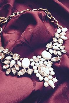 Classy! Snow White Statement #Necklace 22,90 € #happinessbtq
